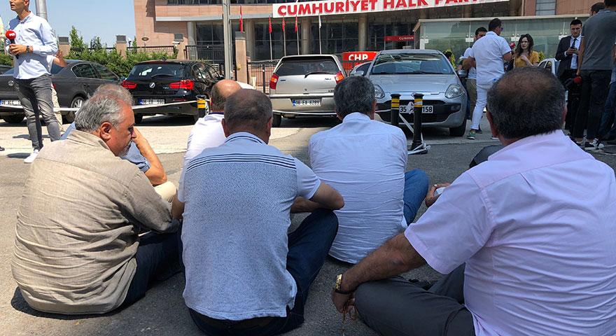 CHP'li muhaliflerden oturma eylemi