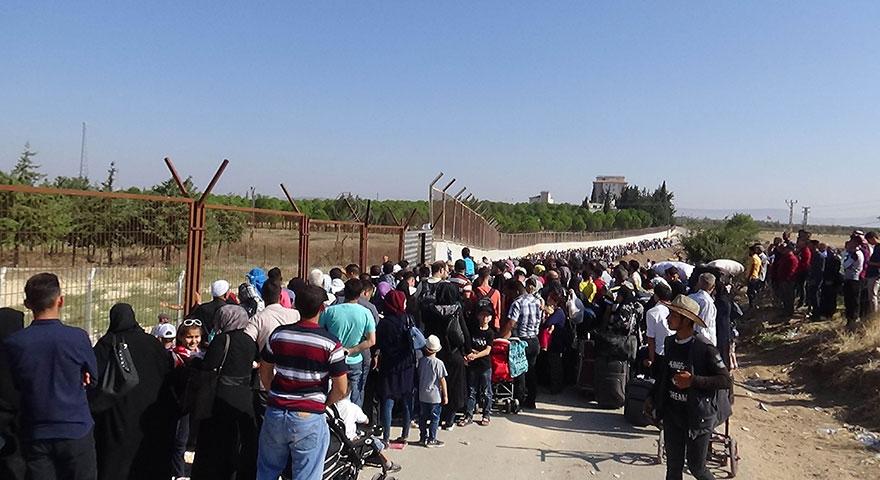 Suriyelilerin vatan özlemi izdihama dönüştü