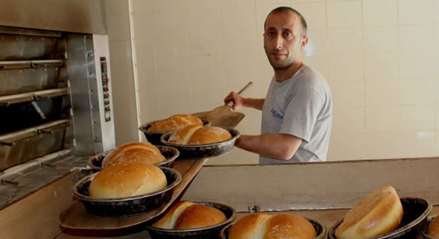 Ucuza ekmek sattı, başına gelmeyen kalmadı