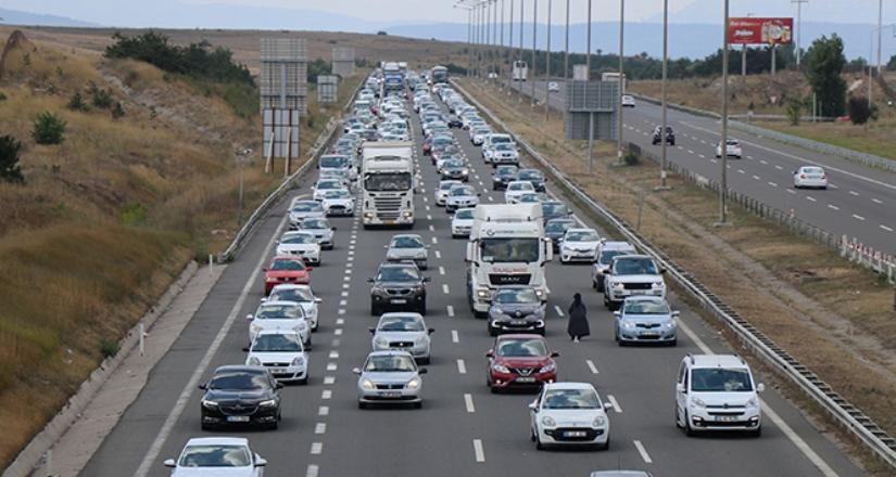 TEM Otoyolu trafiği felç