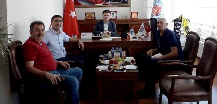 Futbol Saha Komiserleri Derneği'nden ziyaret