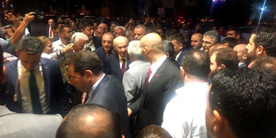 Devlet Bahçeli'ye Erzurum'da yoğun ilgi