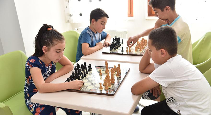 Öğrenciler satranç ile tanıştı