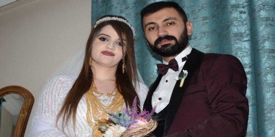 Aşiret düğününe döviz engeli
