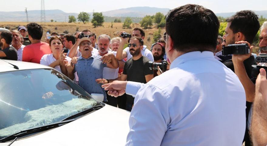 HDP'liler yolu kapatıp polisleri tehdit etti!