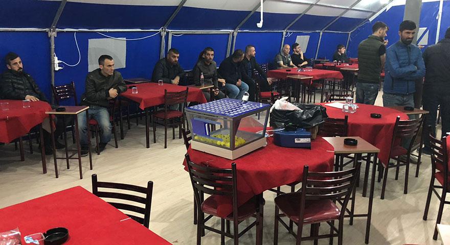 Çadırda kumar partisi
