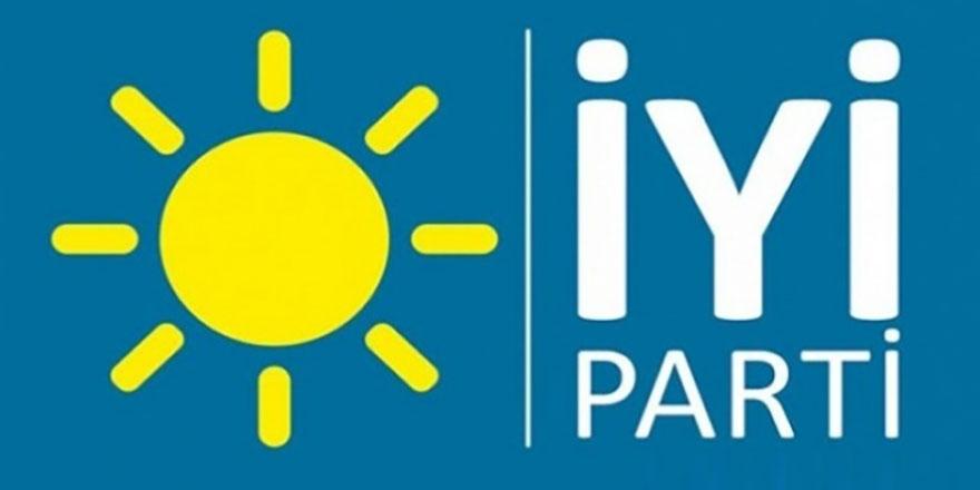 İYİ Parti Yalova il yönetimi toplu olarak istifa etti