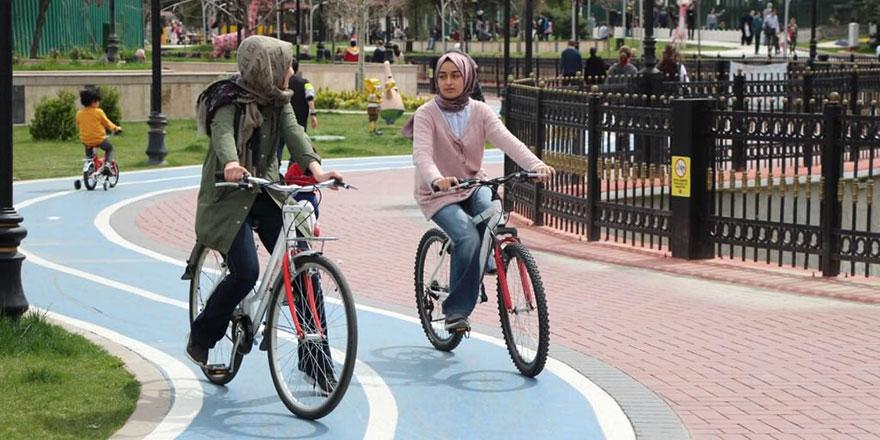 Keçiörenli bisikleti çok sevdi
