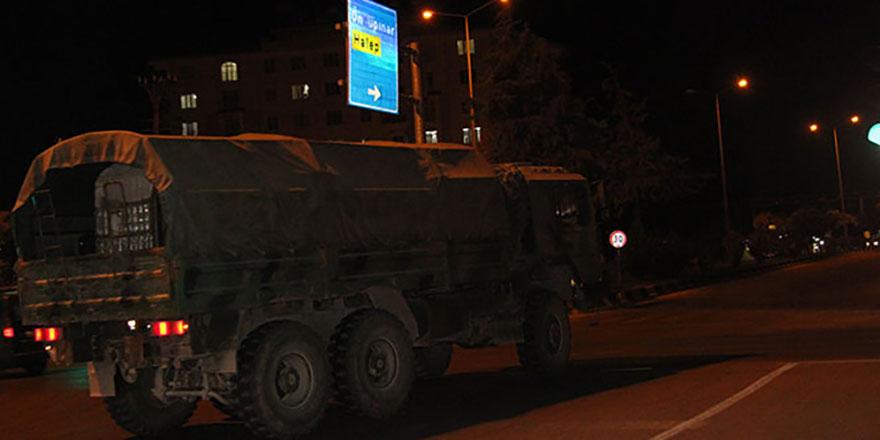 Kilis'e askeri sevkıyat sürüyor! Ağır silahlar sevk edildi