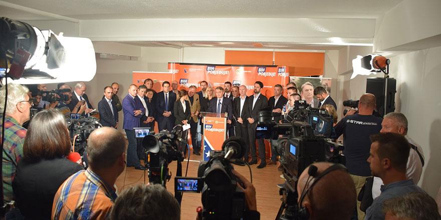 Bosna-Hersek yeni başkanlarını seçti