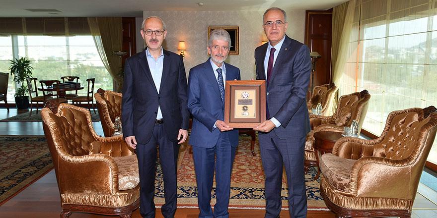 Mustafa Tuna:Başarılarınızdan gurur duyuyorum