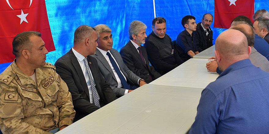 Başkan Tuna şehit ailesini yalnız bırakmadı