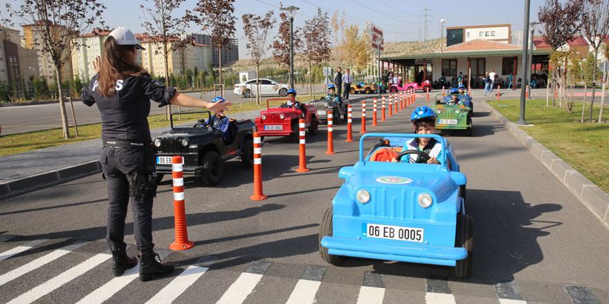 Etimesgut Belediyesi'nden çocuklara Trafik Eğitim Parkı!