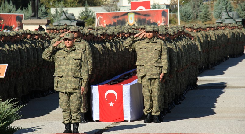 Ankara'da bedelli yapan askerler tezkerelerini aldı