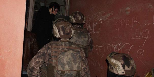 Eş zamanlı operasyonda bin 727 aranan şahıs yakalandı