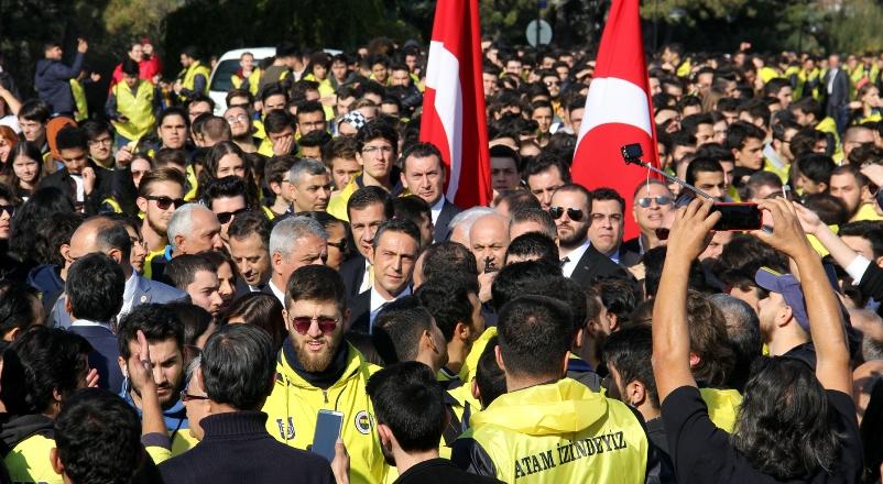 Fenerbahçeliler Ata'nın huzuruna çıktı
