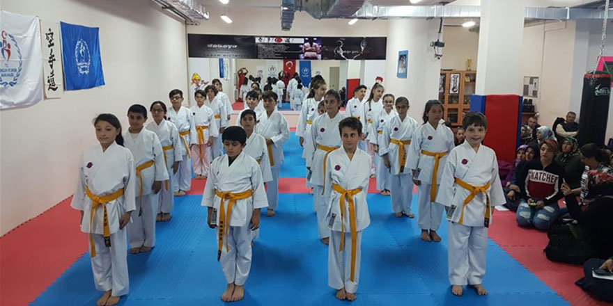 Gölbaşı'nda karate kuşak sınavı sona erdi
