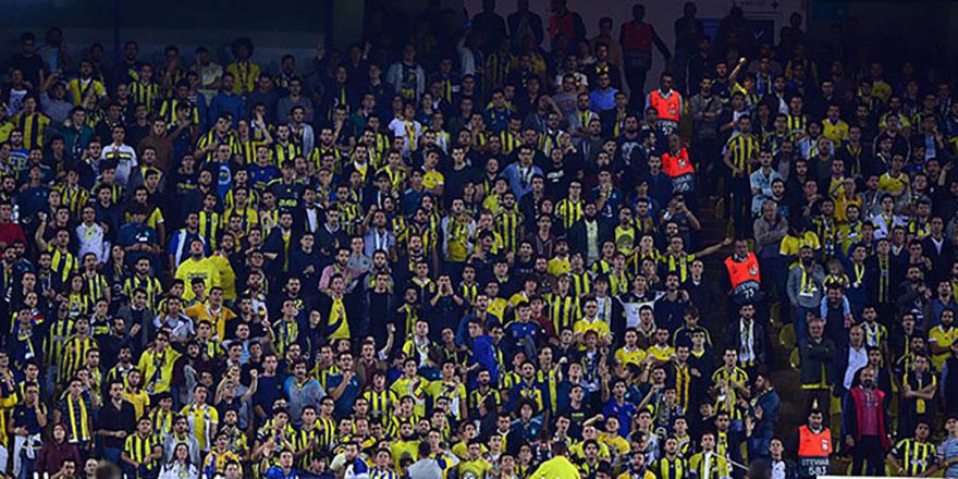 Fenerbahçe tribünlerinde Ersun Yanal sesleri!