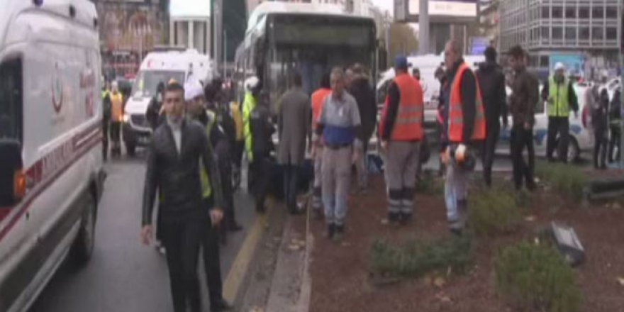 Ankara'da belediye otobüsü yayalara çarptı: 2 yaralı