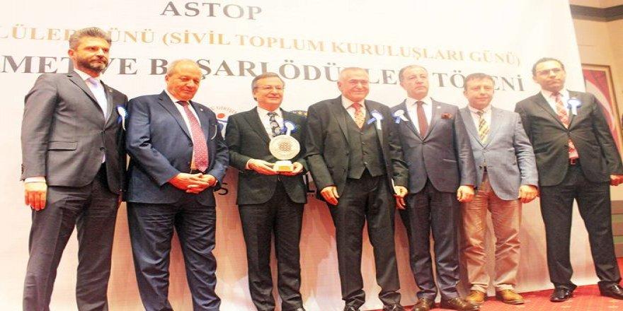 """ASTOP """"Dünya Gönüllüler Günü"""" ödülleri sahiplerini buldu"""