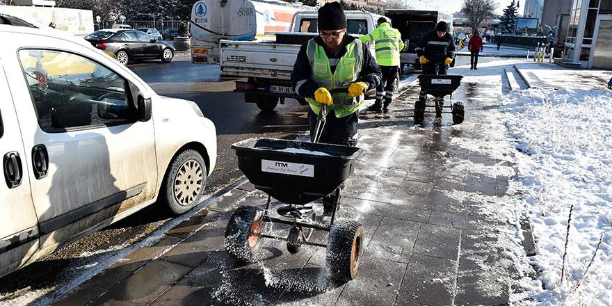Başkent'te kar temizleme çalışmaları
