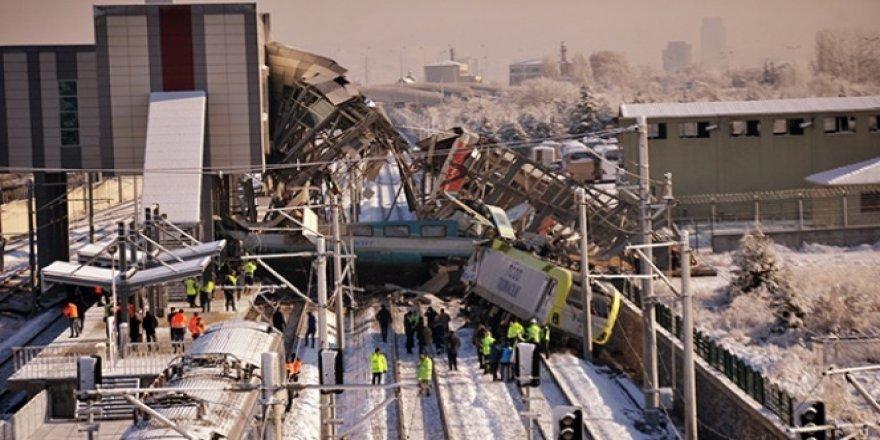 Tren kazasında makasçı makinisti suçladı