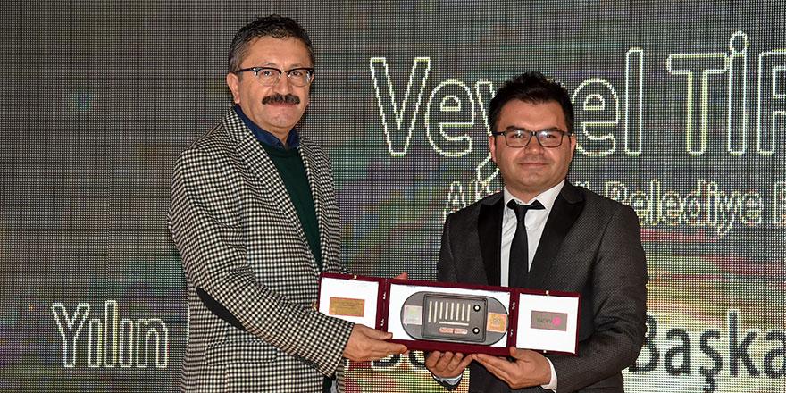 Veysel Tiryaki Yılın Pozitif Belediye Başkanı seçildi