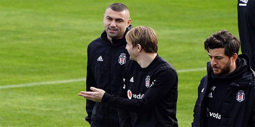 Beşiktaş, Burak Yılmaz'ı resmen bildirdi