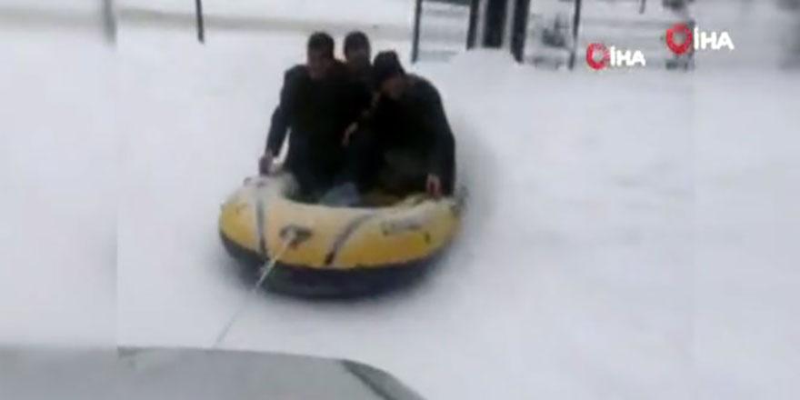 Ankara sokaklarında tehlikeli yolculuk