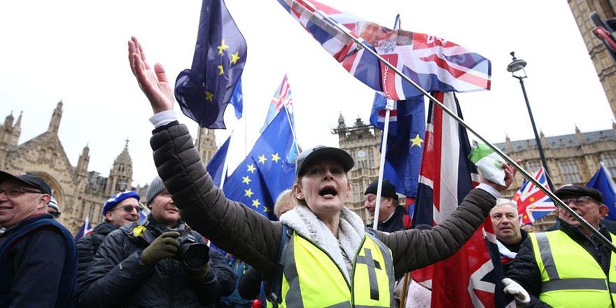 İngiltere'de Brexit kararı çıkmaza girdi