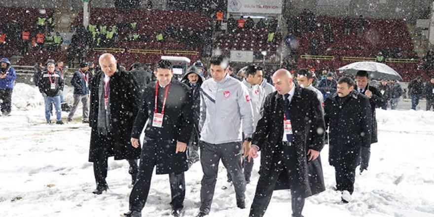 Boluspor - Galatasaray maçına kar tatili