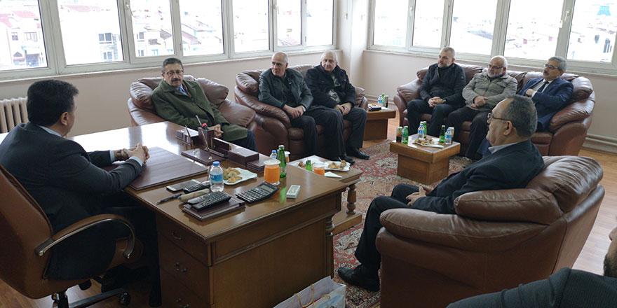 Veysel Tiryaki: Belediyenin kapısı herkese açık olacak