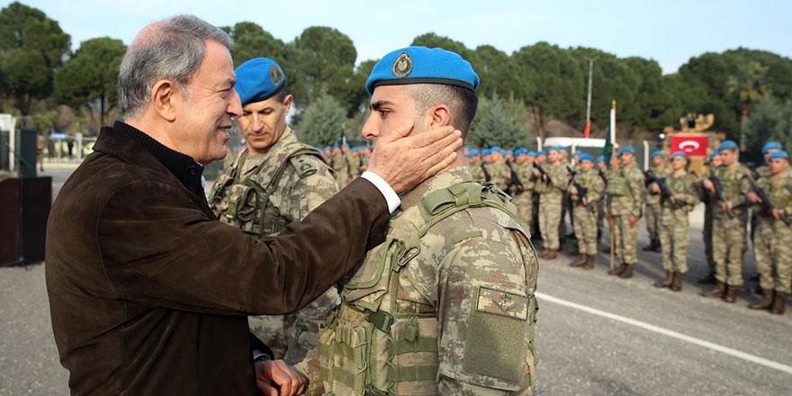 Bakan Akar'dan Münbiç ve Fırat'ın doğusu açıklaması