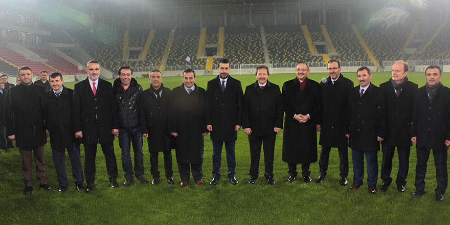 Kasapoğlu ve Özhaseki  yeni stadı inceledi