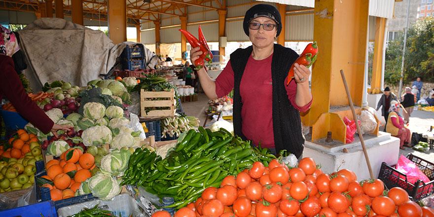 Biber fiyatı fırladı! Halk pazarında biber 20 lirayı buldu