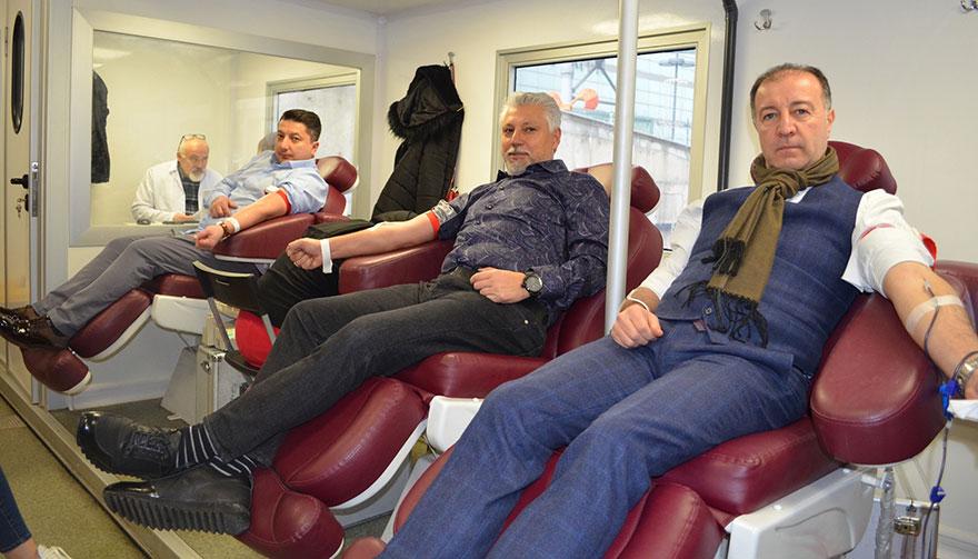 Genç girişimciler kan ve ilik nakli bekleyenlere umut oldular