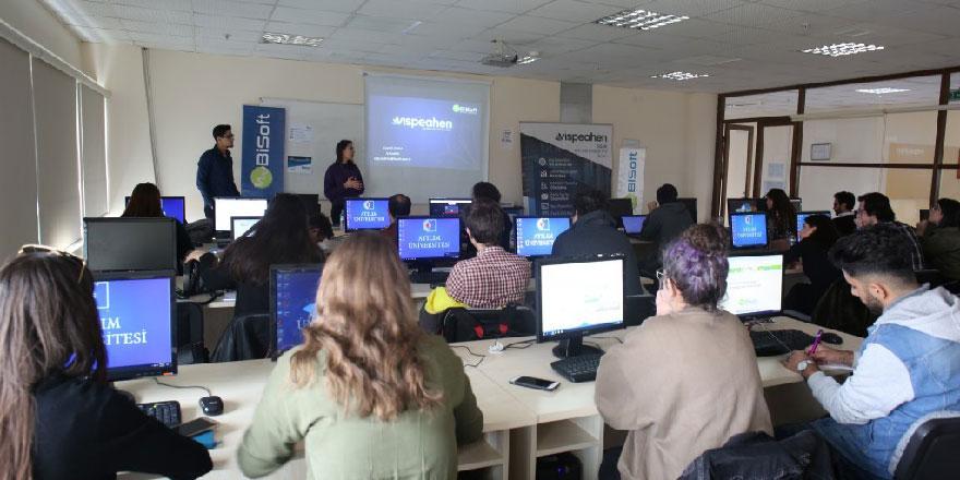 Atılım Üniversitesi'nde Teknolojide Atılım ve Kariyer Zirvesi düzenlendi