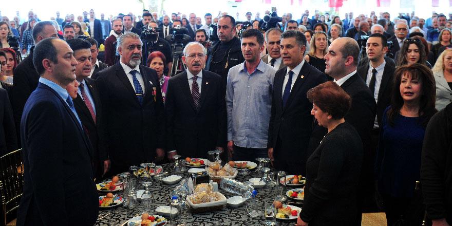 Kılıçdaroğlu şehit aileleri ve gazilerle buluştu