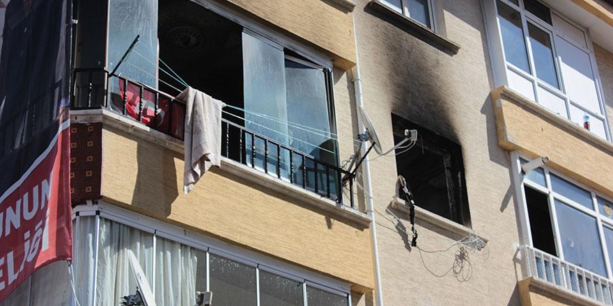 Yangın çıkan binada çocuklar mahsur kaldı