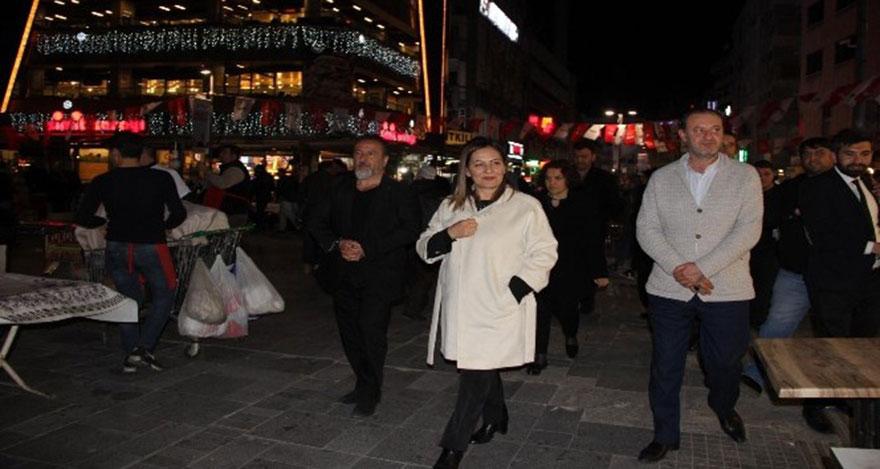 AK Parti'li Türkmen, oyun salonlarını ziyaret etti
