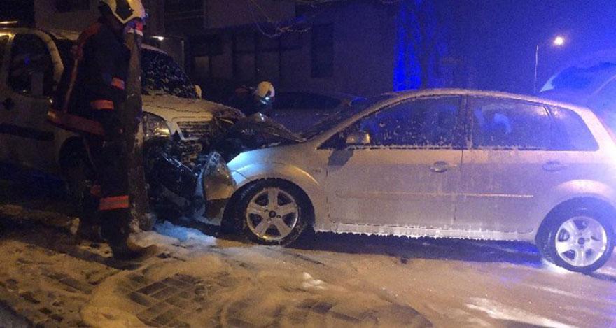 Ankara'da araçlar birbirine girdi