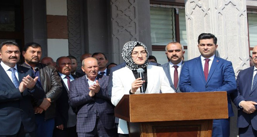 Akyurt'un yeni başkanı Hilal Ayık görevi devraldı