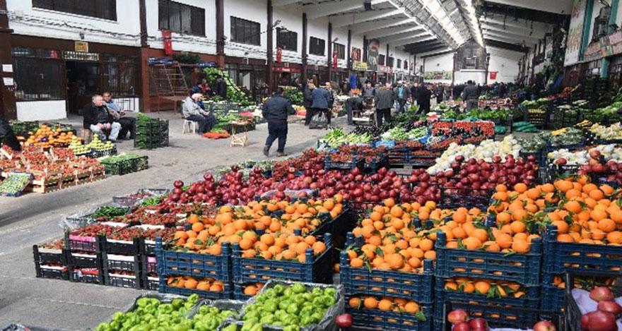 Ankaralılar meyve ve sebzeye doydu