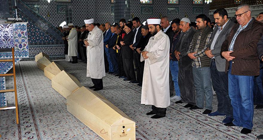 Düzce'de kazada ölen 6 kişi toprağa verildi
