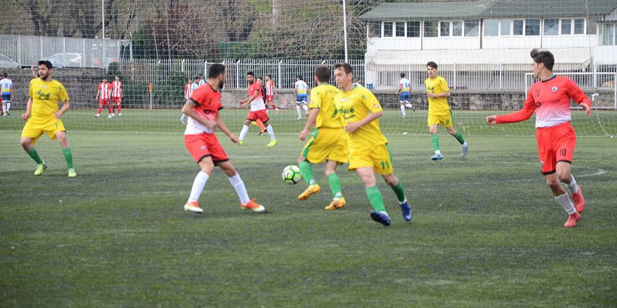 Etlikspor 3 puanı 4 golle aldı