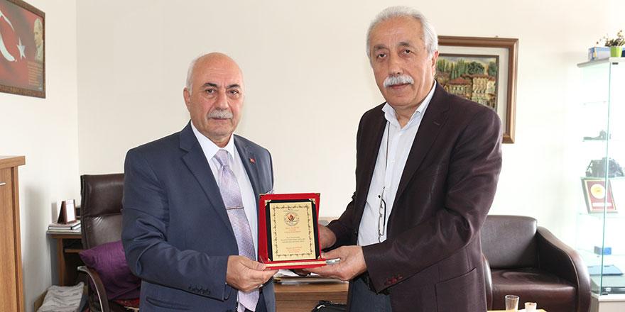 Bursa'dan Ali Çetin'e plaket