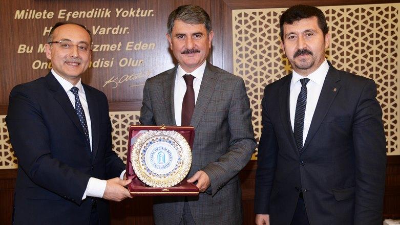 Rektörü Doğan'dan Başkan Ayhan Yılmaz'a ziyaret