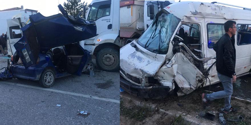 Sorgun'da kaza: 3 ölü, 1'i ağır 9 yaralı