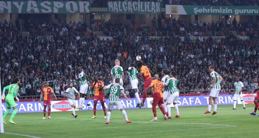 Galatasaray Konya'da fırsatı tepti!