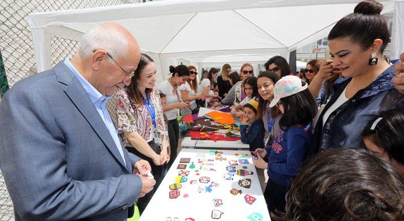 Başkan Yaşar, minik öğrencileri yalnız bırakmadı